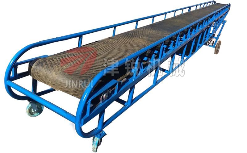 大倾角皮带输送机在砂石(沙石)场的安装应用
